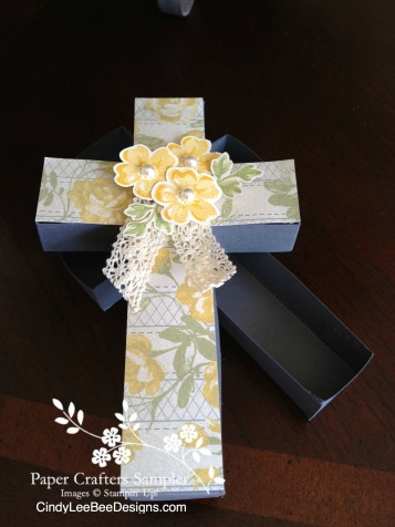 SU Stippled Blossoms Cross Box Open